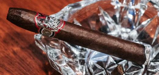 Viva la Vida Torpedo cigar on a crystal glass ashtray