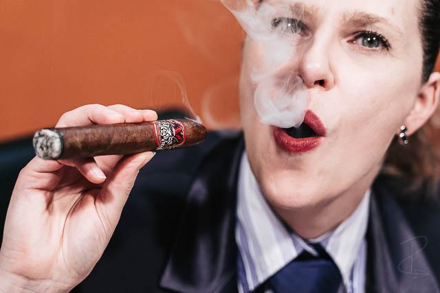 Blowing smoke rings whilst reviewing the Viva la Vida Torpedo cigar