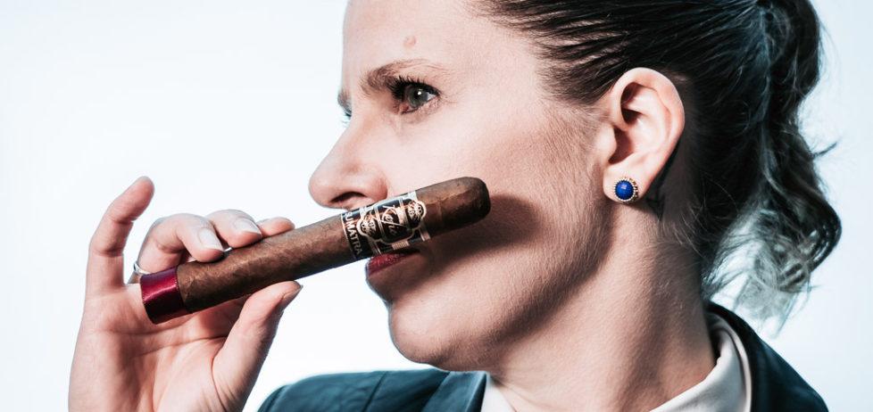 Kafie 1901 Ecuador Sumatra Toro Bello cigar fresh out of the humidor