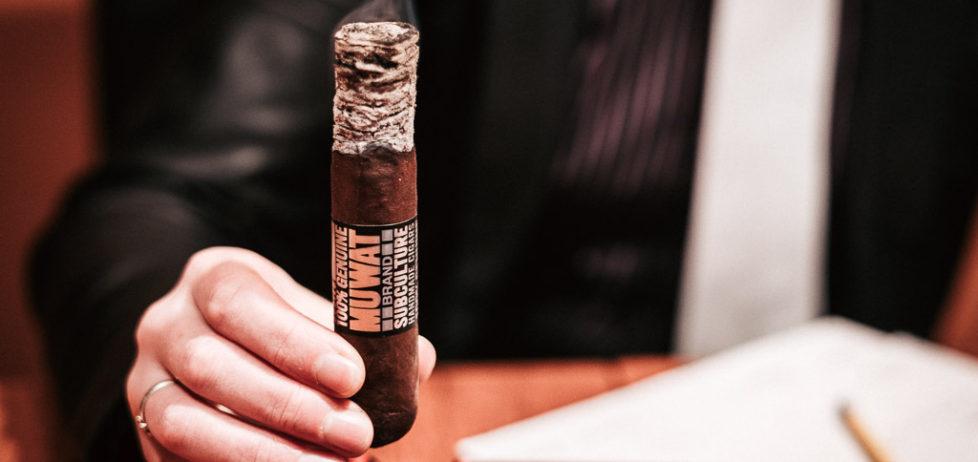 A fantastic ash on a MUWAT Gordo 560 cigar