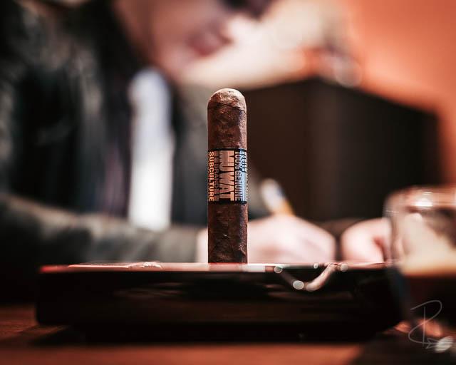 MUWAT Gordo 560 cigar sitting in my ashtray waiting to be smoked