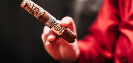 The beautiful ash on the Alec Bradley Project 40 Robusto cigar