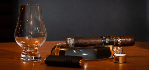 The Plasencia Alma Fuente Sixto II with whisky sniffer glass waiting to be filled