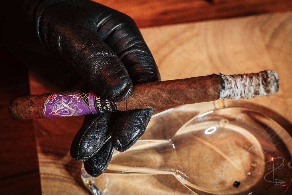 The beautiful ash on my Hiram and Solomon Travelling Man Lancero cigar
