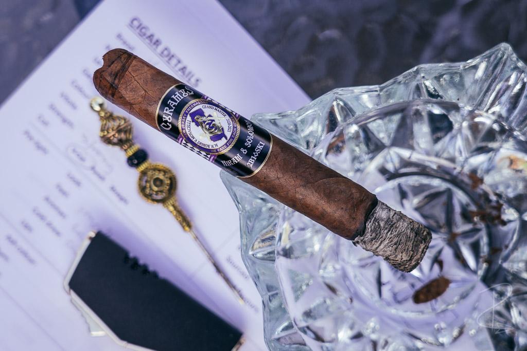 The perfect burn and ash on the Hiram and Solomon Curamus Toro Cigar