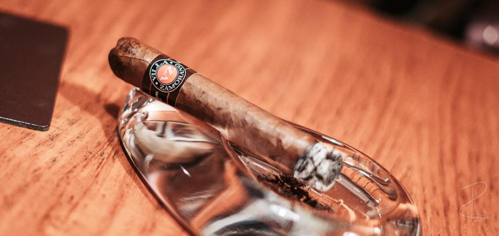 A freshly lit Villa Zamorano Robusto cigar