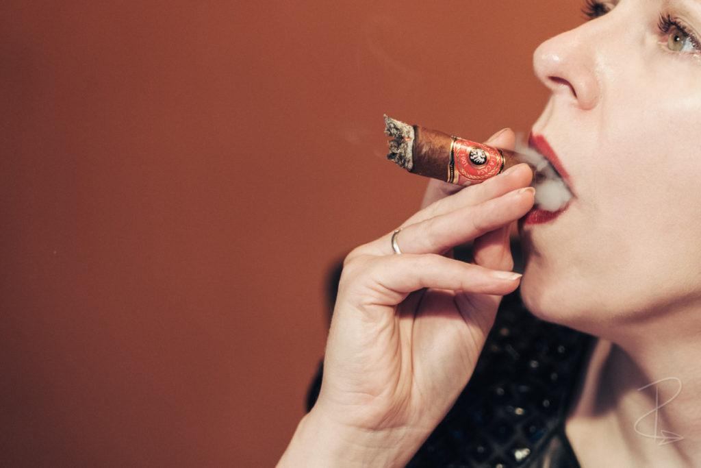 A beautiful mouthful of creamy smoke from the Kafie 1901 Liga de la Casa