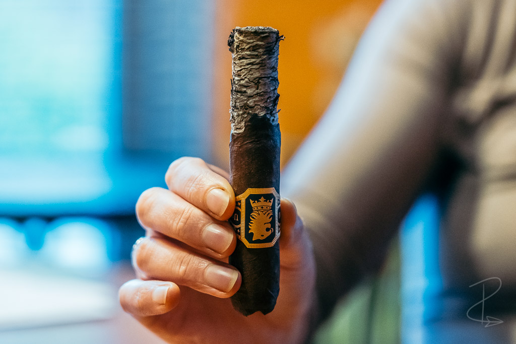 A lovely long ash on the Liga Undercrown Maduro Robusto cigar