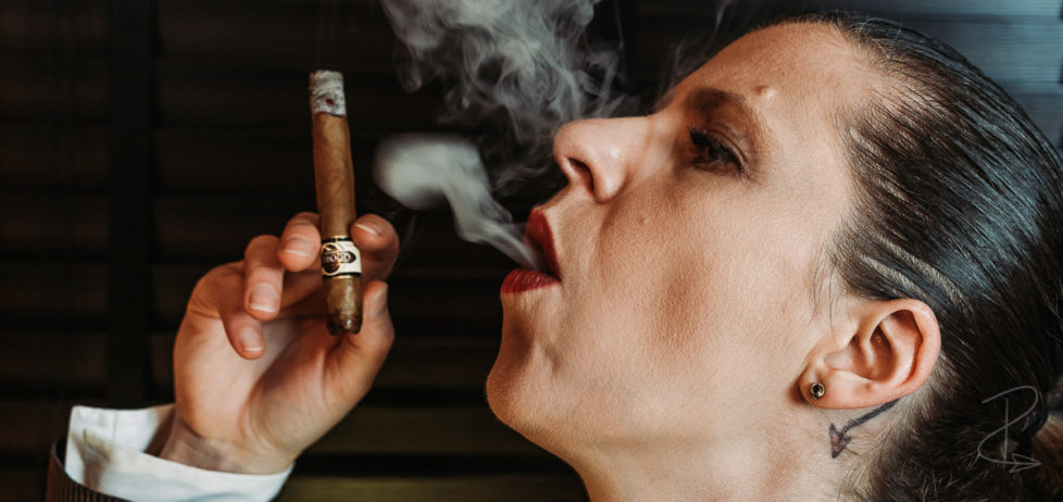 The opening third of the Quorum Shade Grown Tres Petit Corona budget cigar