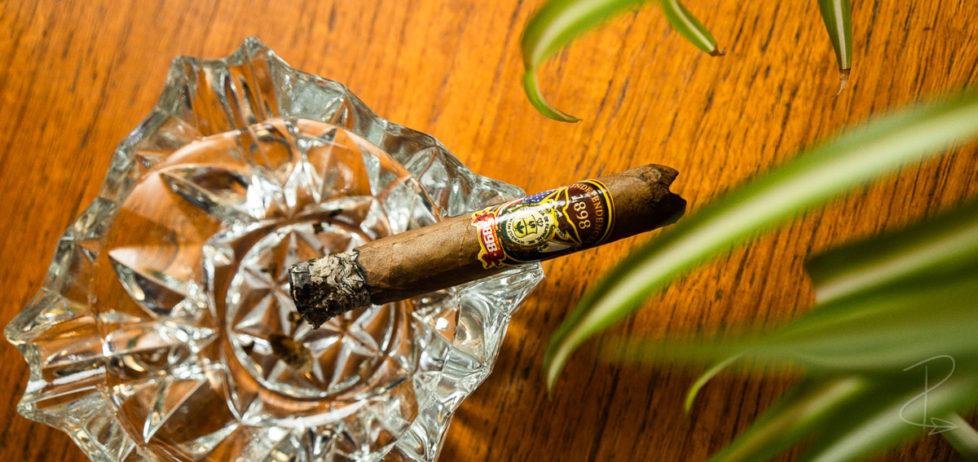 A freshly lit Independencia 1898 robusto cigar